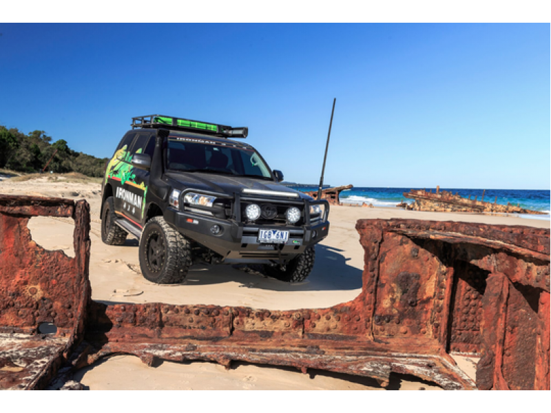 ironman 4x4 premium deluxe bull bar suitable for toyota landcruiser 200 series 11 2015 on gx gxl. Black Bedroom Furniture Sets. Home Design Ideas
