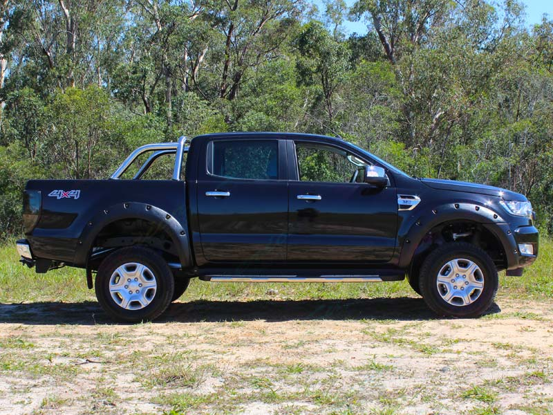 Right Side view of a Ford Ranger PX Dual Cab fitted with a 3 inch Superior Nitro gas lift kit