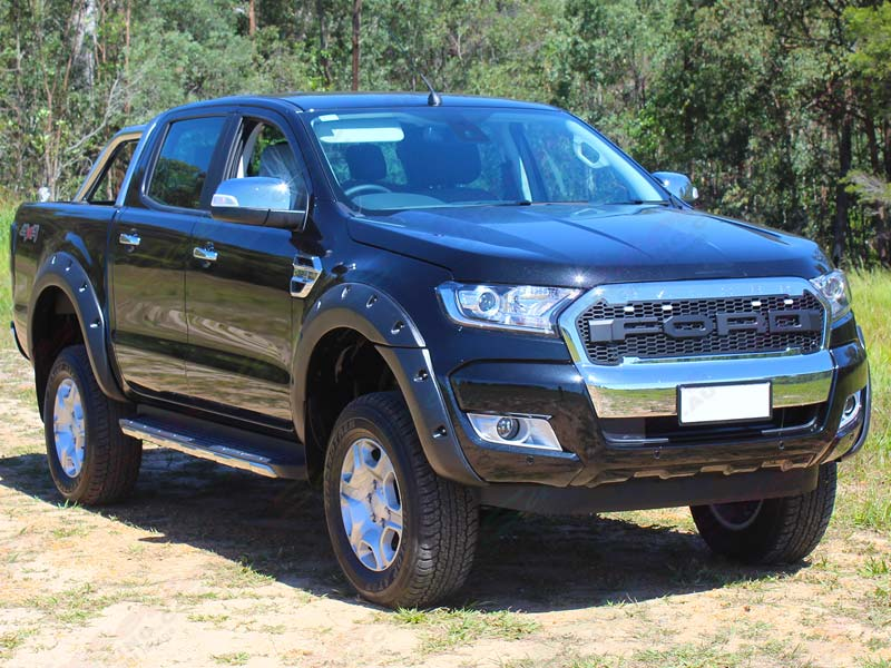 Front Right view of a Ford Ranger PX Dual Cab fitted with a 3 inch Superior Nitro gas lift kit