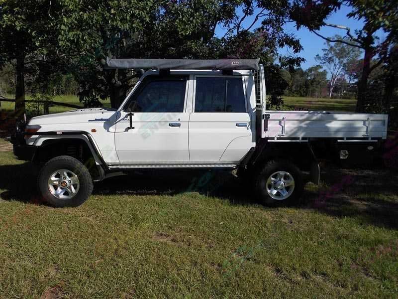 Right view of the fitted Superior 4 Inch Lift Kit on the Toyota Landcruiser 78/79 Series V8